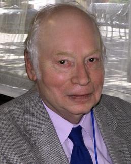 Steven Weinberg - im258-479px-Steven_weinberg_2010